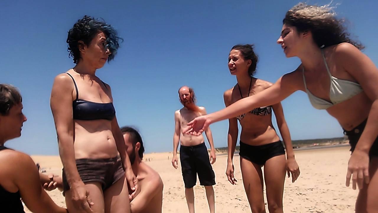 Días de entrenamiento en la playa de saltos, vuelos y caídas.